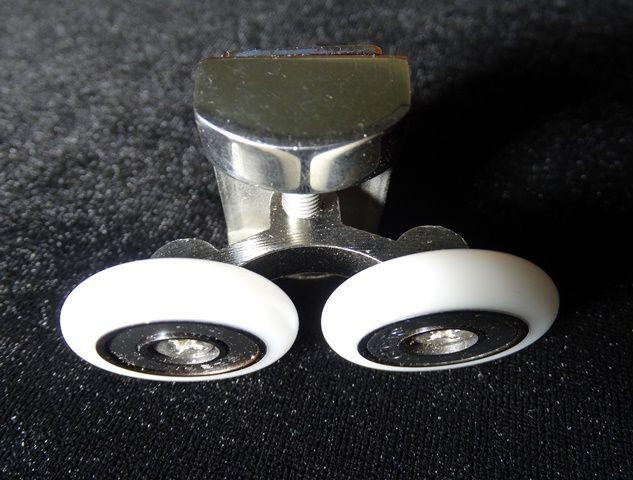 Ролик верхний двойной металл 25мм N4